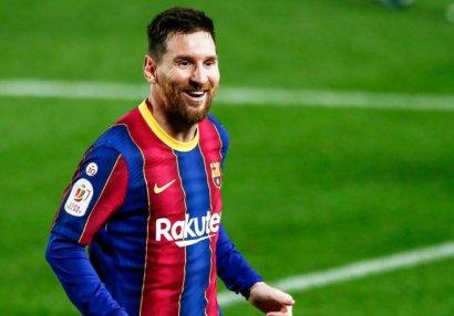 Messi Xavinin rekordunu təkrarladı