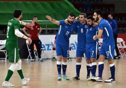 Millimizin Slovakiya və Yunanıstanla oyun üçün heyəti