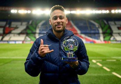 Neymar həftənin futbolçusu seçildi