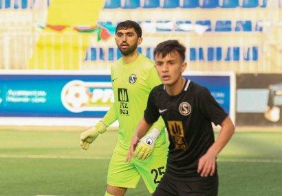 Bakı klubu 3 futbolçusu ilə müqavilə yenilədi