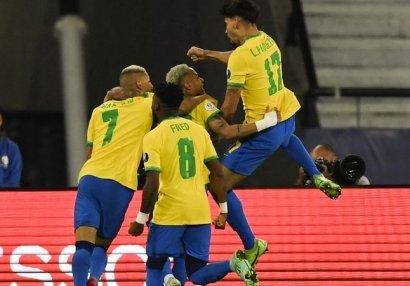 Amerika Kuboku: Braziliya və Peru yarımfinalda - VİDEO