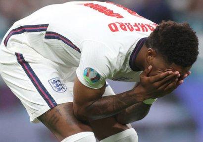 Чернокожие игроки сборной Англии подверглись расовым оскорблениям после финала Евро