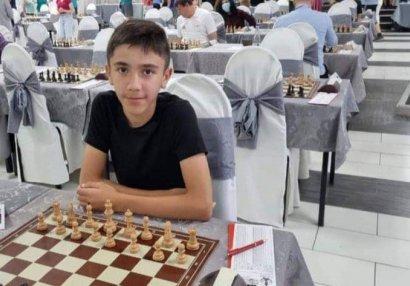13 yaşlı şahmatçımızdan beynəlxalq uğur